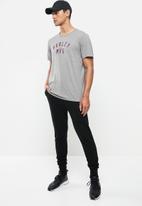 Hurley - Siro athletico short sleeve - grey