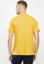 Ben Sherman - Drum target tee - mustard
