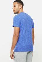 Superdry. - Ol vintage embroidery crew tee - blue