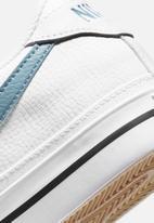 Nike - Court legacy - white/cerulean-gum light brown