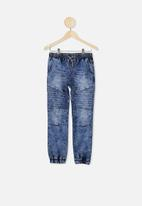 Free by Cotton On - Slouch denim pant - new ocean blue acid wash
