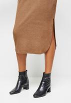 edit - Cut & sew slashneck midi - brown