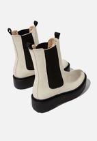 Cotton On - Max combat platform midi gusset boot - ecru