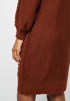 edit - Cable stitch balloon sleeve tunic - rust