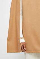 edit - Collared cape - camel