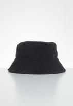 Superbalist - Gemma bucket hat - black