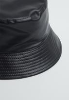 Superbalist - Gemma bucket hat - black