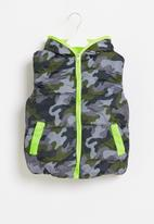 POP CANDY - Boys camo sleeveless bomber - multi