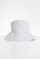 Freya Hats  - Nara bucket hat - white & grey