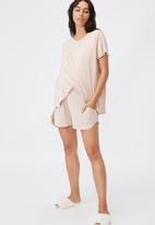 Cotton On - Sleep recovery maternity pocket short - mushroom pinstripe