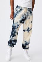 Factorie - Relaxed tie dye trackpant - bleached inferno tie dye
