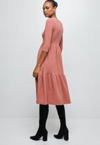 edit - 3/4 sleeve tiered knit midi - pink