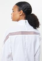 Nike - Nsw amd woven jacket - white