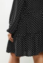 Blake - Peterpan collar tiered mini dress - black & white