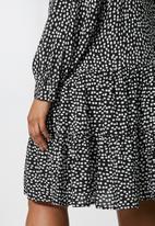 Superbalist - Long sleeve tiered mini - black & white