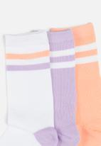 Brave Soul - 3 pack Stripe socks - peach/lilac/white