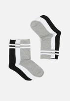 Brave Soul - 3 pack Stripe socks - black/grey/white