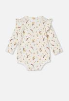 Cotton On - The long sleeve ruffle bubbysuit - vanilla