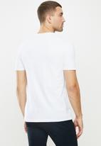 Original Penguin - Embroidered t - white