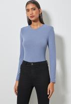 Superbalist - Crew neck shoulder pad bodysuit - denim blue