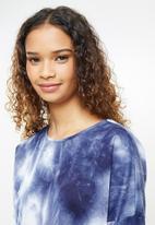 Blake - Knit tye dye long sleeve slash neck top sleepset - blue & white tye dy