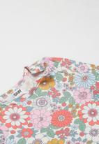 Cotton On - The long sleeve bubbysuit - vanilla & cali pink retro floral