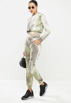 SISSY BOY - Earth angel jogger - multi