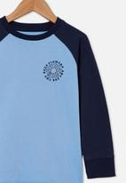 Cotton On - Tom long sleeve raglan tee - blue