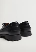 MANGO - Track leather boat shoe - black