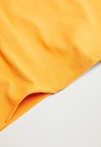 MANGO - Roll tee - medium yellow