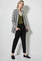 Superbalist - 2 Pack v-neck bodysuit - khaki & dusty mauve
