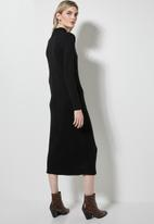 Superbalist - Soft touch shoulder pad dress - black