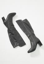 Butterfly Feet - Sierra over the knee boot - grey
