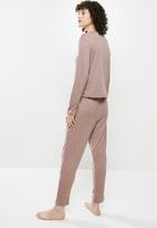 Superbalist - Soft touch sleep top & drop crotch pants set - mocca