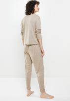 Superbalist - Soft touch sleep top & drop crotch pants set - stone