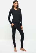 STRONG by T-Shirt Bed Co. - Ladies basic - black