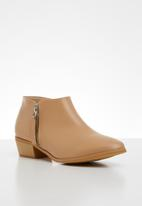 edit - Candine ankle boot - natural