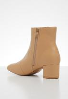 edit - Lundin ankle  boot - natural