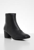 edit - Lundin ankle  boot - black