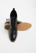 edit - Nandie lace-up boot - black