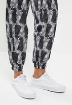 Vans - Leopard pants - black & white