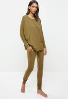 STRONG by T-Shirt Bed Co. - Ladies oversized sweat - moss