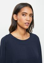 STRONG by T-Shirt Bed Co. - Ladies oversized sweat - navy