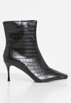 Z_Code_Z - Helen wider fit ankle boot - black