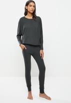 STRONG by T-Shirt Bed Co. - Ladies jogger - charcoal