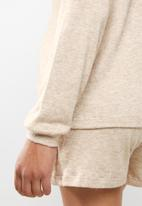 Superbalist - Soft long sleeve reglan tee - neutral