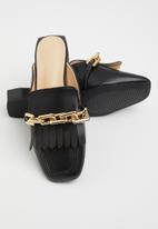 Z_Code_Z - Avan wider fit chain mule - black