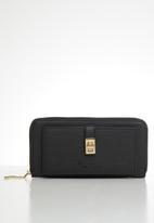 Pierre Cardin - Zanele zip-around purse  - black