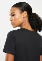 Nike - Essential icon futura tee - black