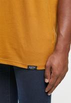 Cutty - T-shirt basic v-neck - brick